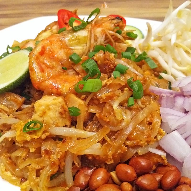 how to make tamarind sauce for pad thai